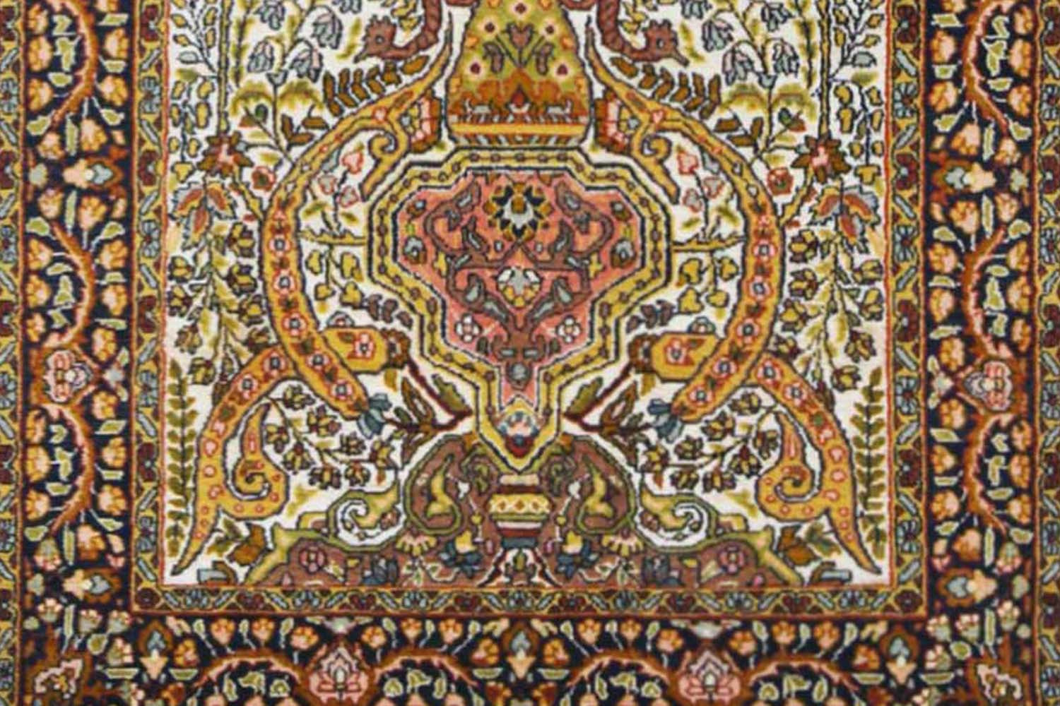 Decorate Home With Handmade Chirag Tree Of Life Rug At