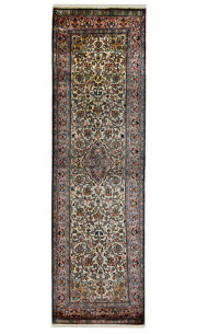 Single Medallion Kashan Handmade Runner