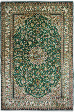Gul Medallion Pattern handknotted Silk Rug