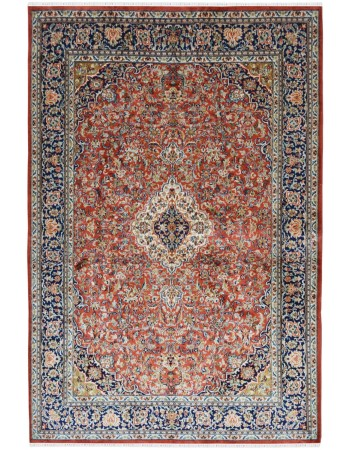Ivory Diamond Medallion Silk Area Rug