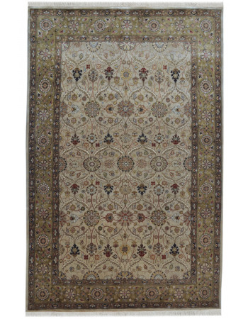 Cream Floral Motif Wool Handknotted Rug