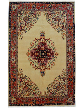 Cream Pie Kashan Floral Medallion Carpet